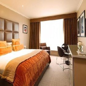 Radisson Blu Edwardian Heathrow  - Hotel with Smoking Rooms in Heathrow Airport