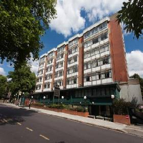 Britannia Hampstead - Hotel with Smoking Rooms in London