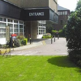 Britannia Airport Hotel Manchester - Hotel with Smoking Rooms in Manchester Airport