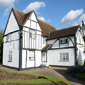 The Barn Hotel  - Hotel with Smoking Rooms in Ruislip