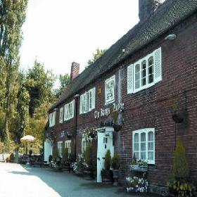 The Kings Lodge Hotel - Inn with Smoking Rooms in Kings Langley