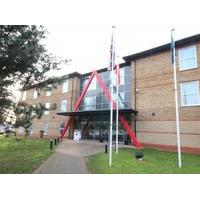 Ramada London Stansted Airport - Hotel with Smoking Rooms in Stansted