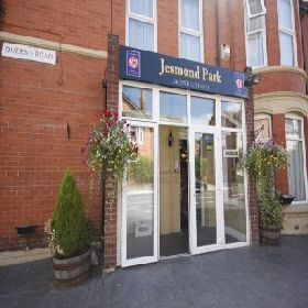 Jesmond Park  - Guest House with Smoking Rooms in Newcastle Upon Tyne