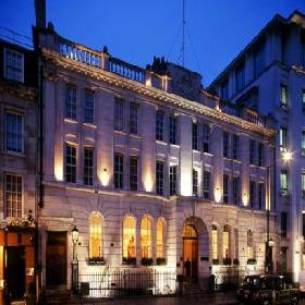 The Courthouse Hotel - Hotel with Smoking Rooms in London