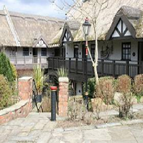 Guy S Thatched Hamlet - Hotel with Smoking Rooms in Preston