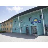 Days Inn Cobham - Hotel with Smoking Rooms in Cobham