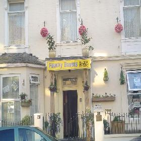 Fawlty Towers - Small Hotel with Smoking Rooms in Great Yarmouth